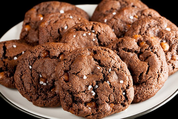 Gluten-Free Chewy Chocolate Salted Caramel Cookies