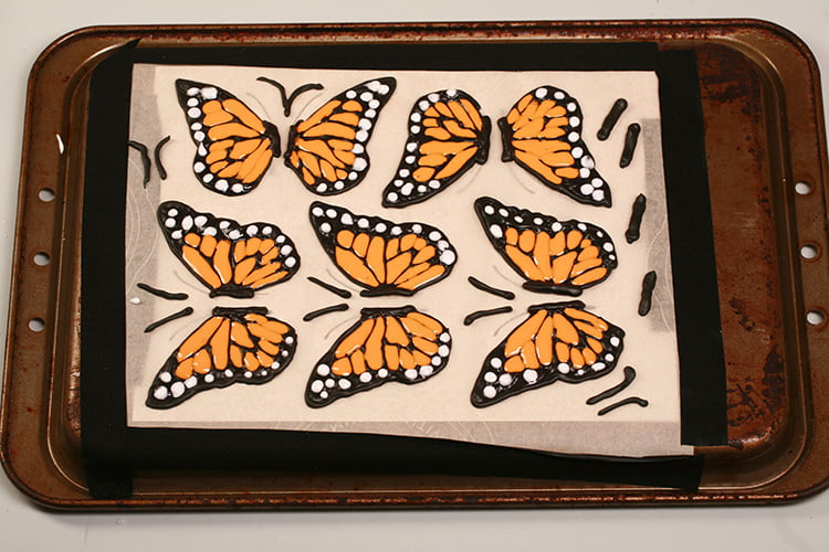 Piped Wings for 3D Monarch Butterfly Cupcakes